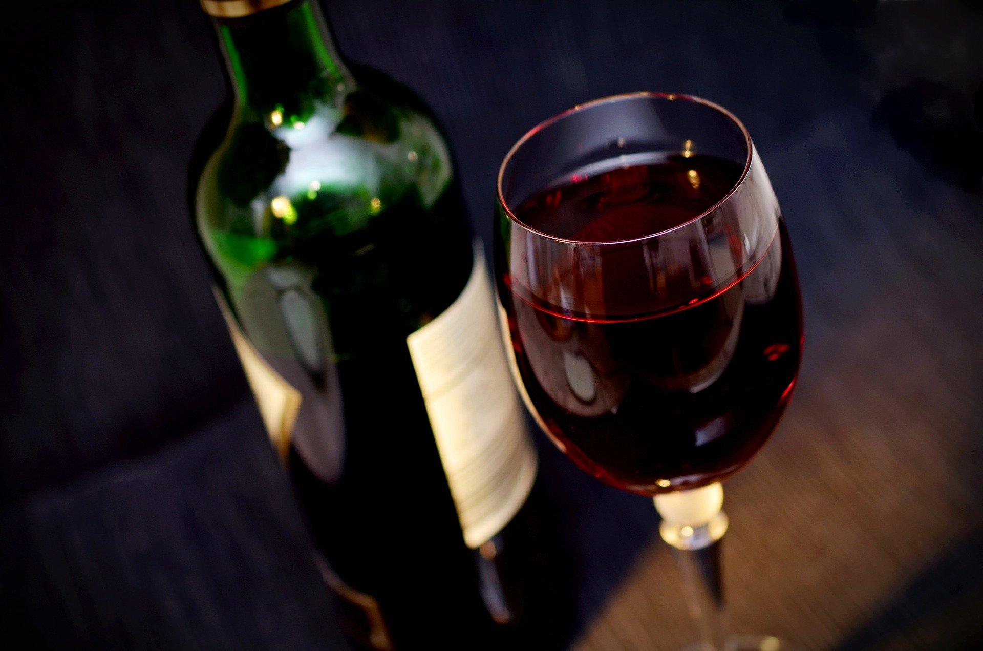 Quels bons vins boire avec sa tartiflette ?