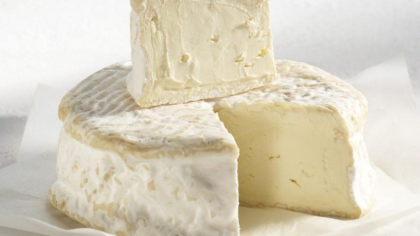 Fiche fromage – Le Brillat Savarin, une crème pour les gouverner tous.