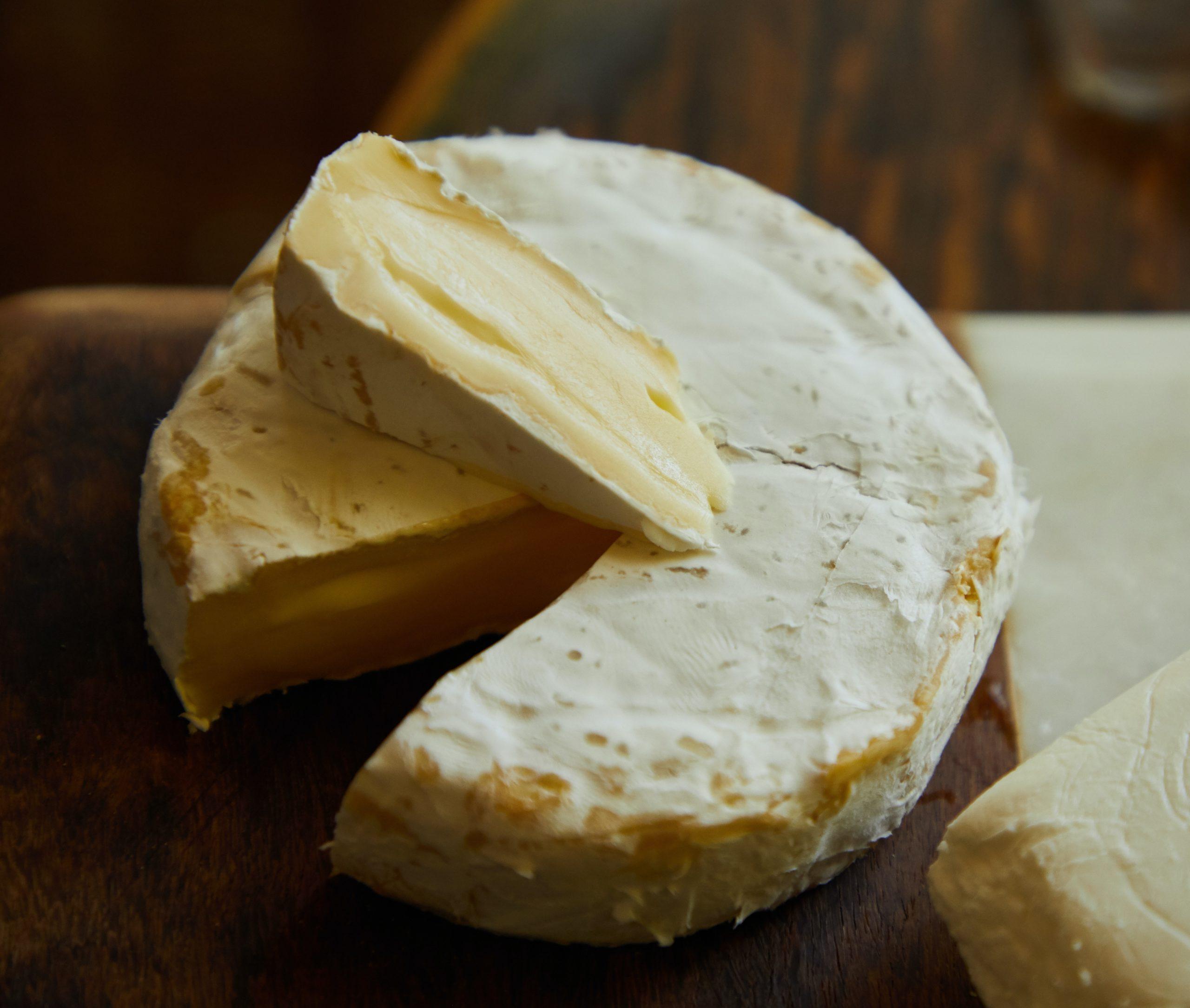 Quelle est la différence entre un Brie, un Camembert et un Coulommiers?