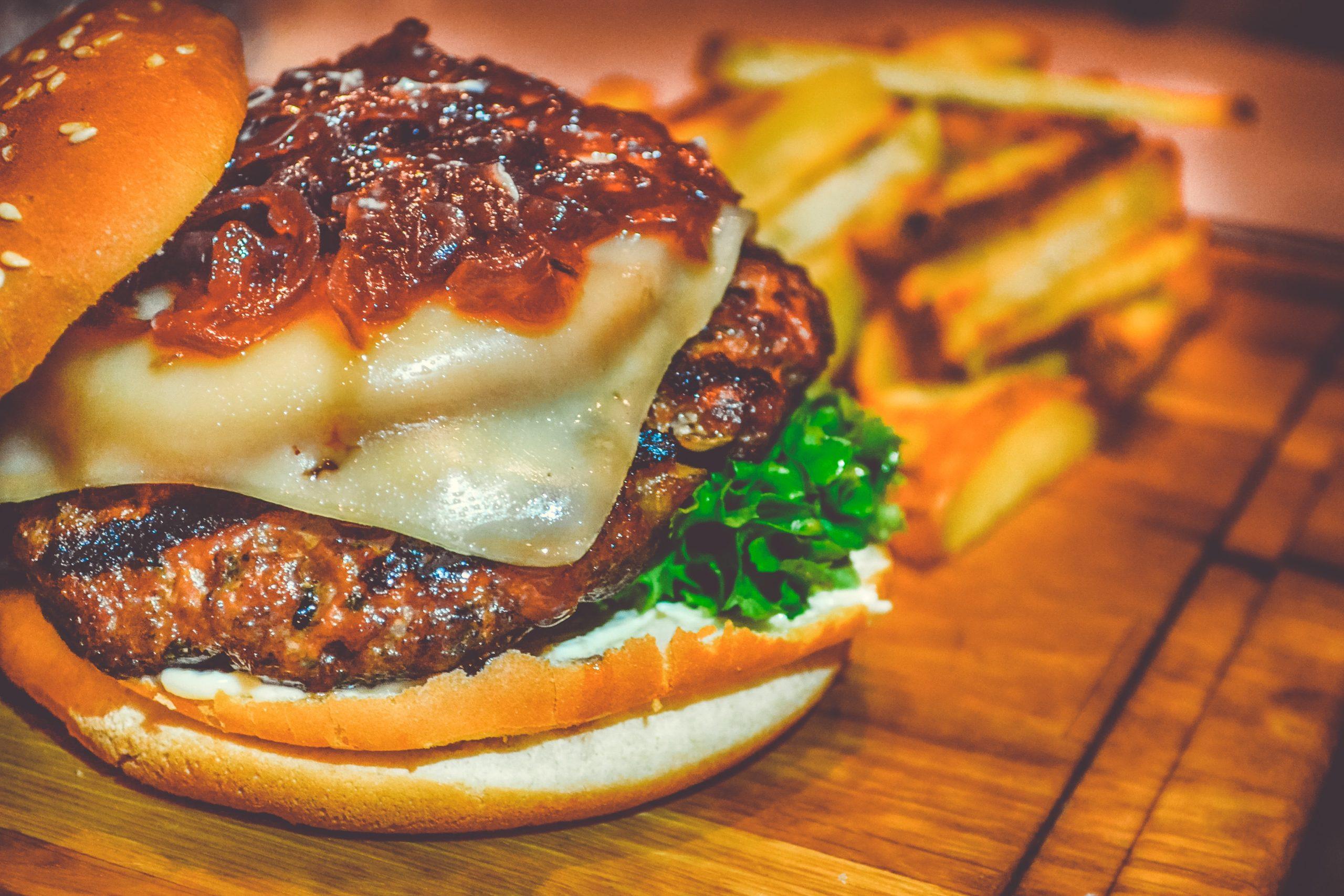 7 recettes de burger avec d'autres fromages